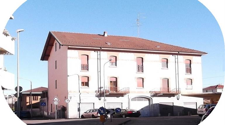 Commercial Premises / Showrooms for sale in Novara